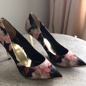 Ted Baker London Saeber Heels